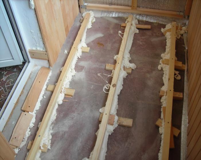 Как из чего сделать пол на балконе